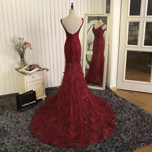 Afbeelding in Gallery-weergave laden, Gorgeous V- Neck Open Back Lace Evening Dresses Mermaid Prom Gowns 2018