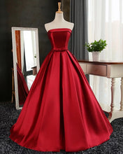 Afbeelding in Gallery-weergave laden, Maroon Wedding Dresses