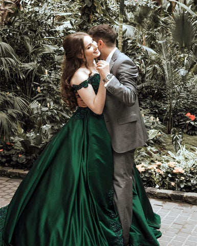 Image of Gorgeous Lace Flower Beaded V-neck Emerald Green Prom Dress Ball Gowns