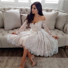 Afbeelding in Gallery-weergave laden, White Lace Long Sleeves V-Neck Homecoming Dresses Off The Shoulder