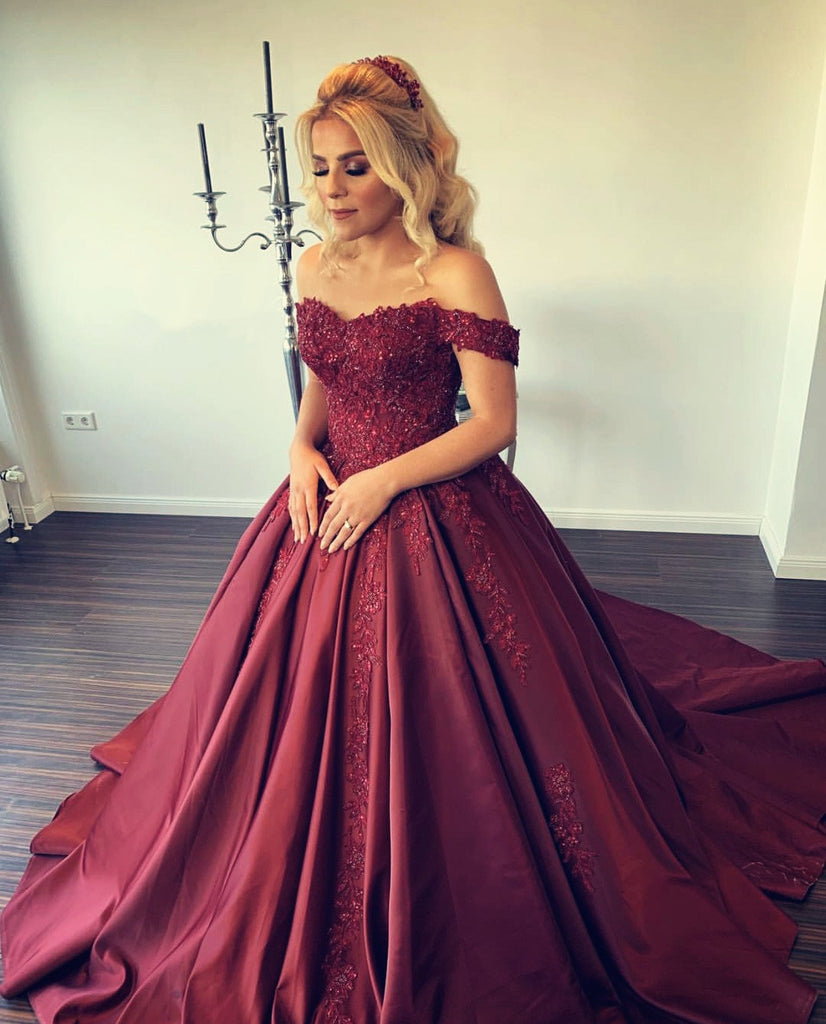 Lace Appliques Sweetheart Ball Gowns Wedding Dress Satin Off Shoulder