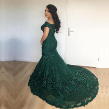 Load image into Gallery viewer, Stylish Lace Mermaid Evening Dresses Off-the-shoulder Prom Gowns 2018