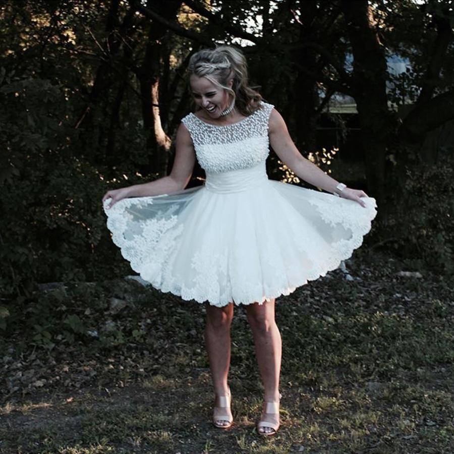 White Lace Appliques Tulle Homecoming Dresses Pearl Beaded Prom Dress Short