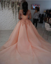 Afbeelding in Gallery-weergave laden, Modest Lace Cap Sleeves Coral Organza Quinceanera Dresses Ball Gowns