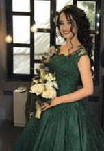 Load image into Gallery viewer, emerald green ball gowns
