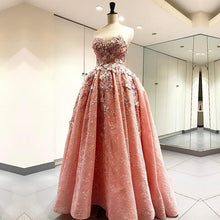 Afbeelding in Gallery-weergave laden, Elegant Handmade Flower Sweetheart Pink Lace Prom Dresses Floor Length Evening Gowns