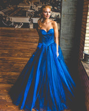 Afbeelding in Gallery-weergave laden, royal-blue-ball-gowns