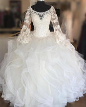 Afbeelding in Gallery-weergave laden, white-quinceanera-dresses