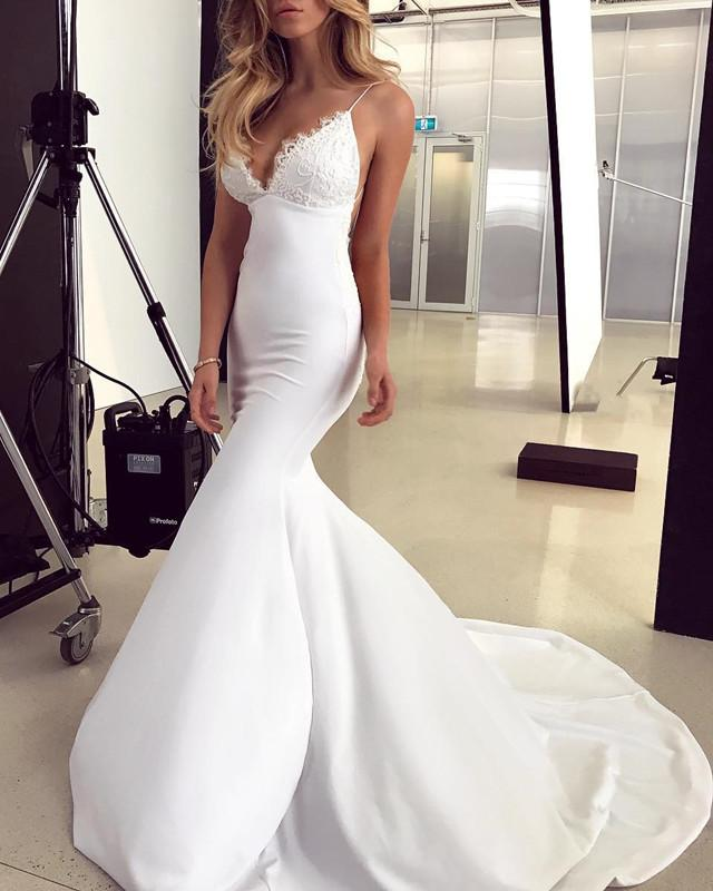 Elegant Lace Appliques V-neck Backless Mermaid Wedding Dresses