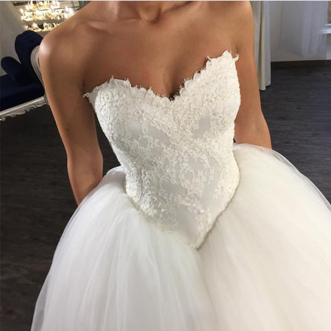 Image of Elegant Lace Appliques V Neck Bodice Corset Tulle Wedding Dresses Ball Gowns
