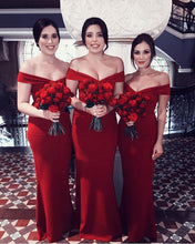 Afbeelding in Gallery-weergave laden, Long-Red-Bridesmaid-Dresses-V-neck-Off-Shoulder-Party-Dress