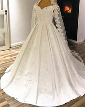 Afbeelding in Gallery-weergave laden, luxury-wedding-gowns