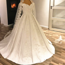 Afbeelding in Gallery-weergave laden, couture-wedding-dresses