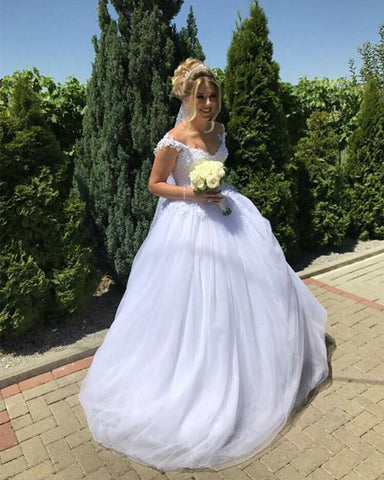 Image of Elegant Lace Appliques V-neck Tulle Princess Wedding Dresses Pearl Beaded