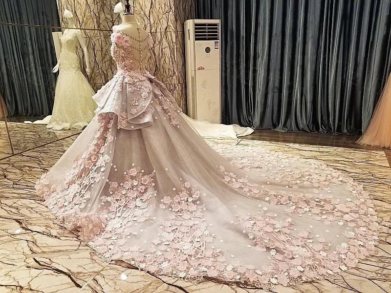 Luxurious Royal Train Lace Wedding Dresses Ball Gowns With Floral Flowers