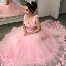 Afbeelding in Gallery-weergave laden, Blush-Pink-Quinceanera-Dresses