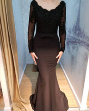 Afbeelding in Gallery-weergave laden, Sheer Lace Long Sleeves Mermaid Court Train Bridesmaid Dresses