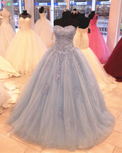 Afbeelding in Gallery-weergave laden, Light-Blue-Quinceanera-Dress
