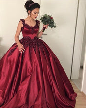 Afbeelding in Gallery-weergave laden, Lace Beaded Sweetheart Satin Ball Gown Maroon Wedding Dresses