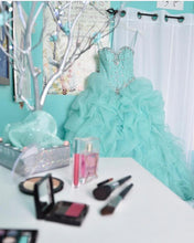 Cargar imagen en el visor de la galería, Beaded Sweetheart Light Blue Quinceanera Dresses Ball Gowns Organza Layered