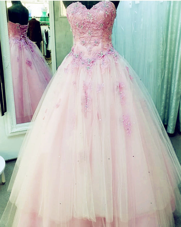 Lace Appliques Beaded Sweetheart Tulle Quinceanera Dresses