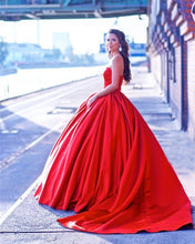 Load image into Gallery viewer, Red Wedding Dresses Ball Gowns Satin Sweetheart Bride Dress