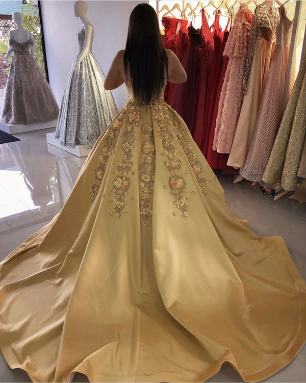 Gold Satin Ball Gowns Quinceanera Dresses With Lace Flowers Beaded