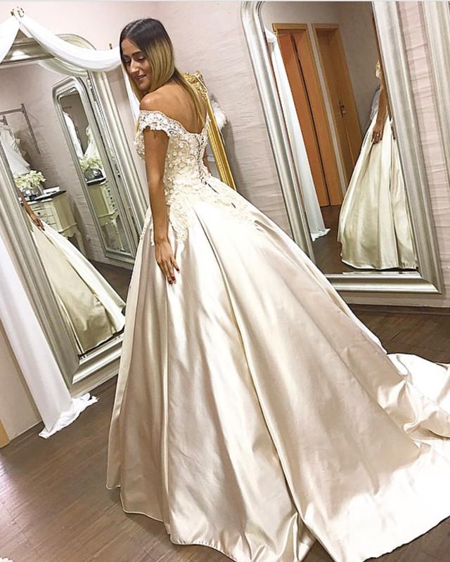 V-neck Off The Shoulder Satin Ball Gowns Quinceanera Dresses