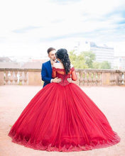 Afbeelding in Gallery-weergave laden, Burgundy Tulle Ball Gown Quinceanera Dresses