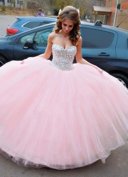 Light Pink Sweetheart Quinceanera Dresses With Crystals And Beads