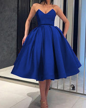 Afbeelding in Gallery-weergave laden, Royal Blue Ball Gown Homecoming Dresses 2019