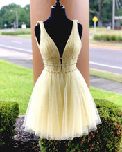 Load image into Gallery viewer, Yellow Sequin Tulle Homecoming Dresses 2019