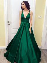 Afbeelding in Gallery-weergave laden, emerald green bridesmaid dresses