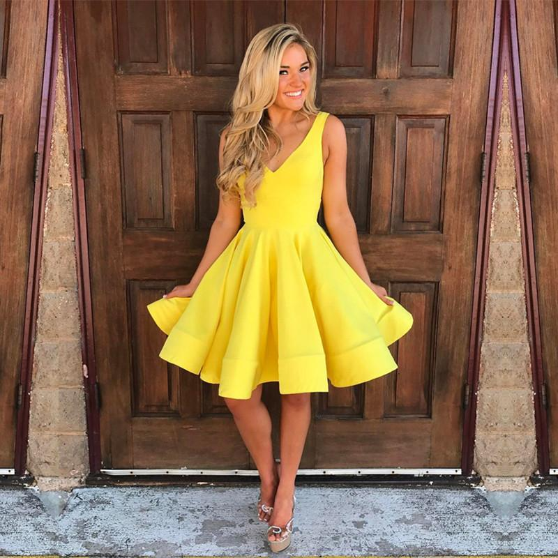 Cute V Neck Ruffles Homecoming Dresses Short Mini Prom Dresses Ball Gowns