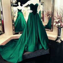 Afbeelding in Gallery-weergave laden, Velvet Sweetheart Bodice Corset Satin Ball Gowns Prom Dresses 2020