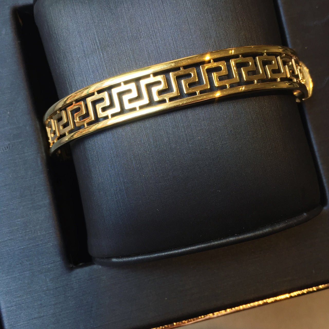 Gold Bangles Dublin | 9ct Gold Bangle