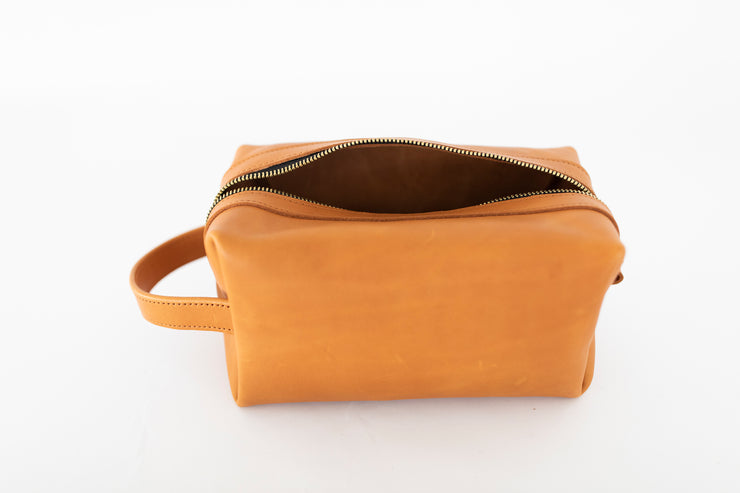 Light Tan Dopp Kit