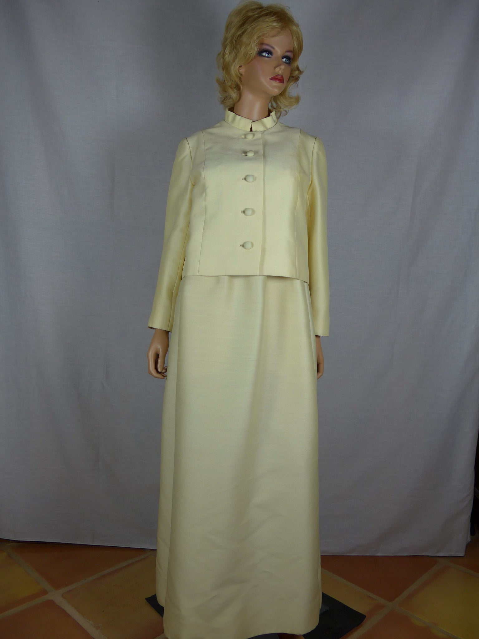Designer Unknown, 1970s cream-colored evening gown – Vintage ...
