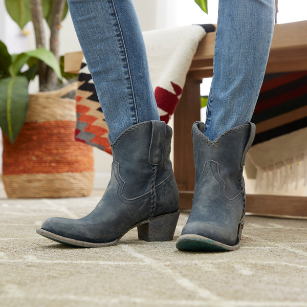 How to Try on Boots Womens Boot Fit Guide by Lane