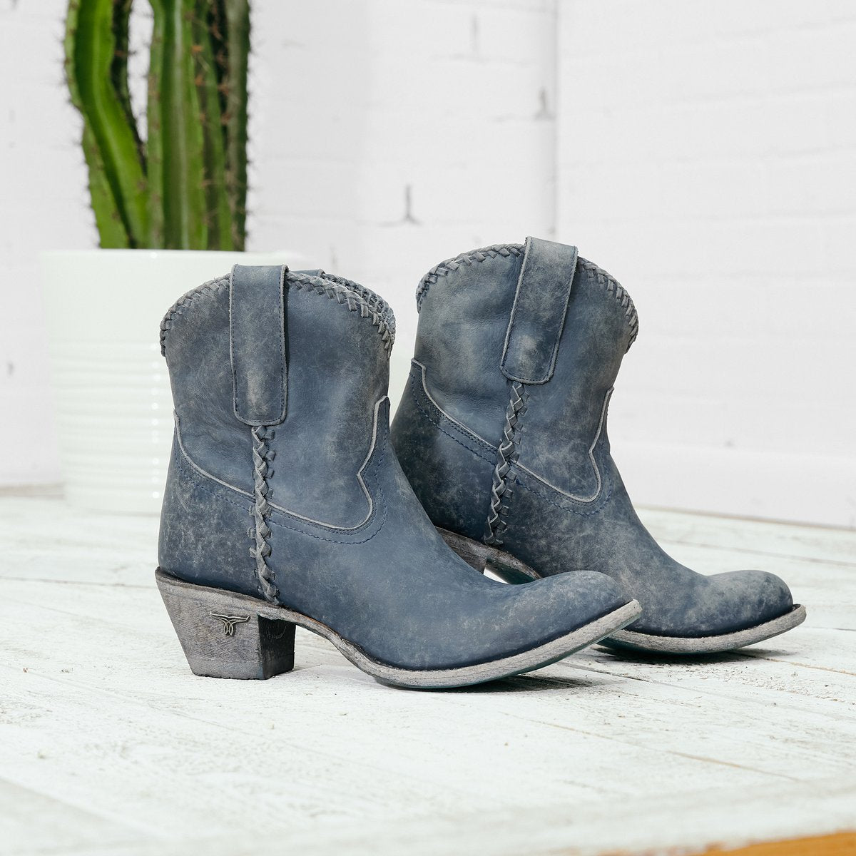 Lane Plain Jane Shortie Distressed Midnight Blue