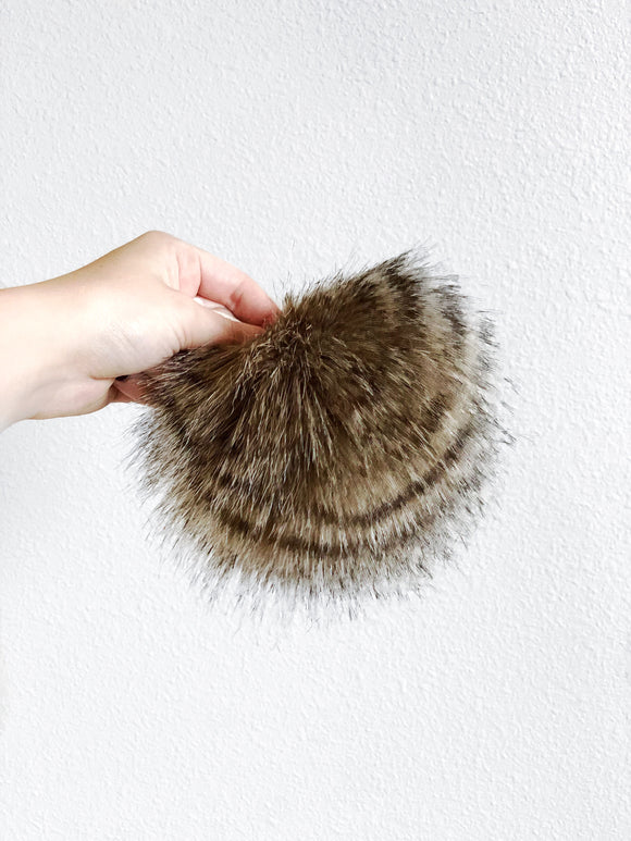RACCOON POMPOM XL