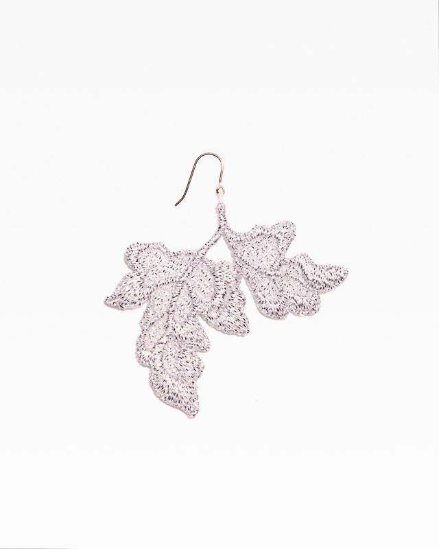 Single leaf earring