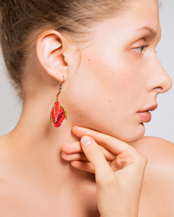 Rose buds earrings