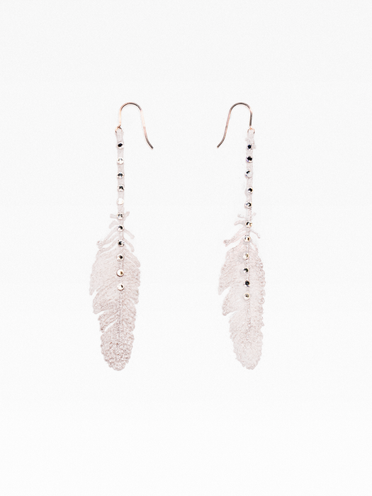 Medium feather lace earring with Swarovski crystals