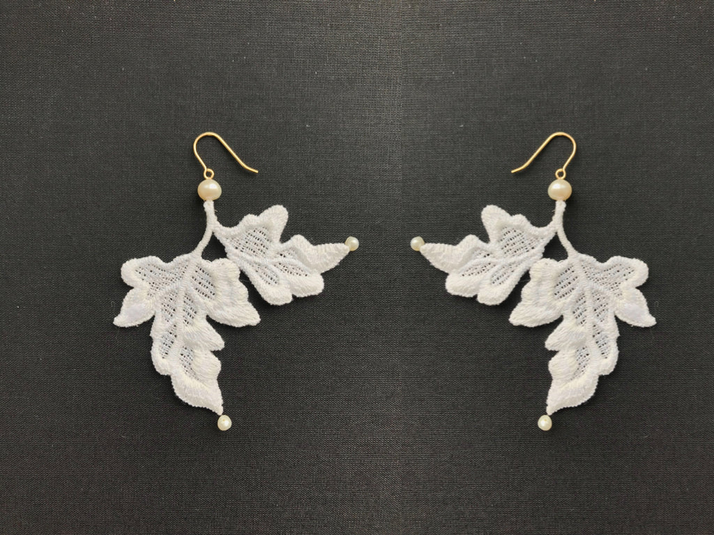 LEAF & PEARL EARRINGS