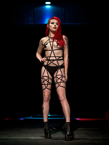Back stage- Pentagram full body harness lingerie - Twilight Siren worn by Olivia Livewire- Photo Frankinsella