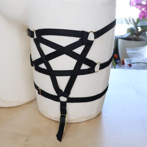 PENTAGRAM LEG HARNESS GARTER DEVELOPMENT SAMPLE UK 6-12
