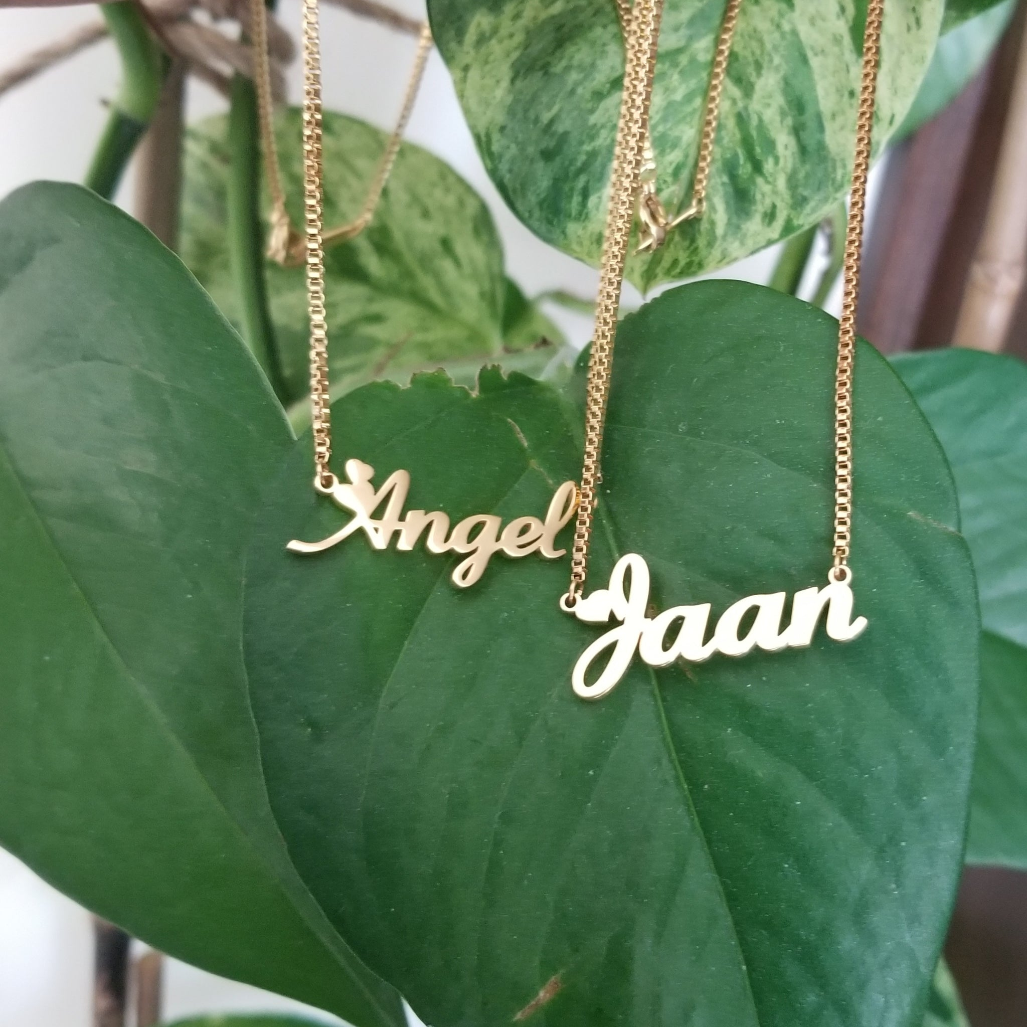 Name necklace with Box chain