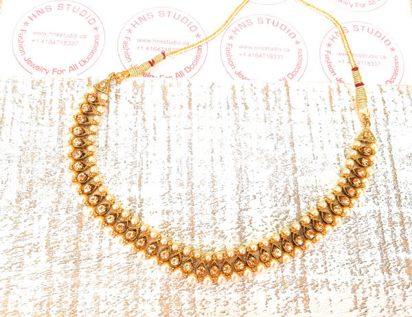 Exquisite Choker With Champagne stones and Pearls - HNS Studio