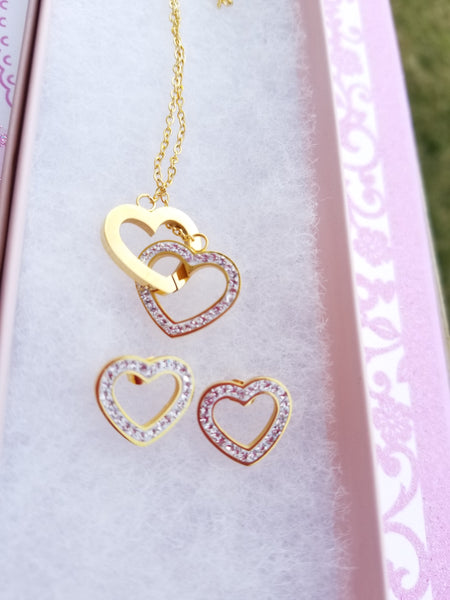 24k gold plated Interlocking Hearts Necklace Set